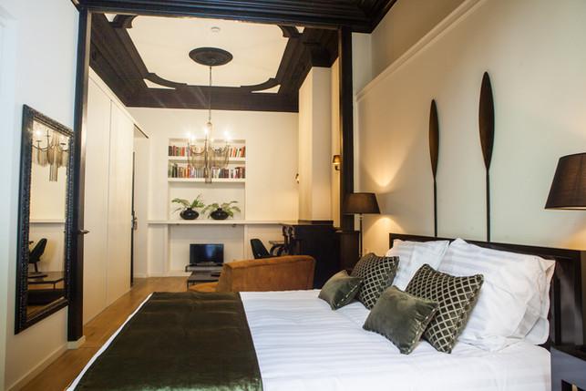 B in Antwerp - Room 1