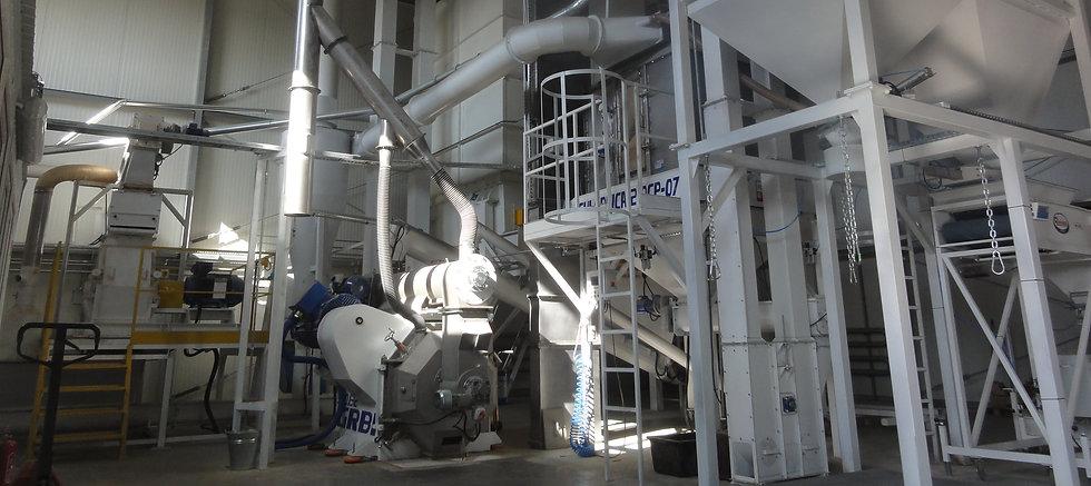 Nawrocki to producent fabryk pelletów z trocin