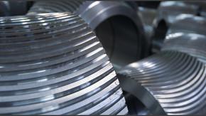 Rollers for pellet mills