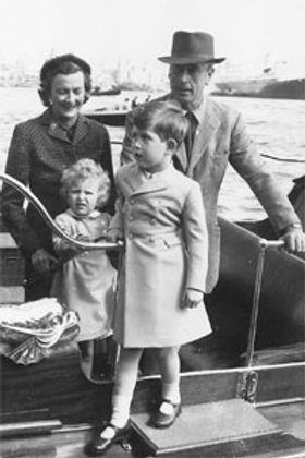 Edwina & Mountbatten with a young Princess Anne & Prince Charles during their father's posting in Malta 