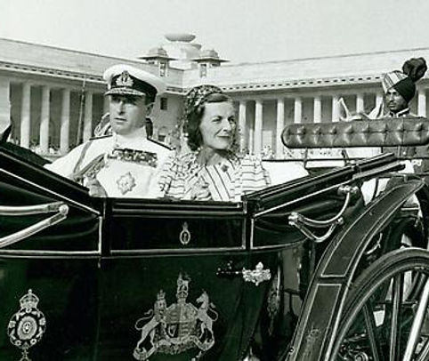 Mountbatten & Edwina in the State Landau carriage departing Government House for the last time en route to the airport