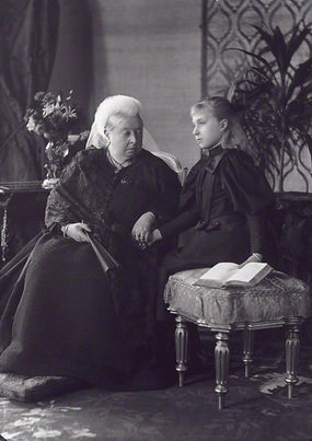 Victoria Eugénie (right) with her grandmother -  Queen Victoria 