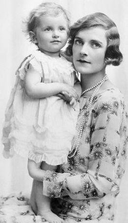 Edwina with her eldest daughter -  Patricia, now 2nd Countess Mountbatten of Burma