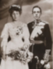Victoria Eugénie (left) & King Alfonso XIII on their wedding day ​
