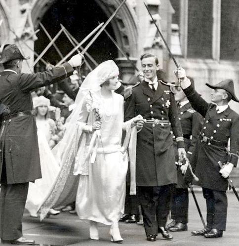 Edwina & Mountbatten leaving St Margaret's Church under a Naval Guard of Honour 
