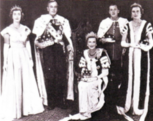 The Mountbattens in Coronation Robes 1953 -  (left to right) Pamela, Mountbatten, Edwina (seated), John, 7th Lord Brabourne & Patricia (later 2nd Countess Mountbatten of Burma)