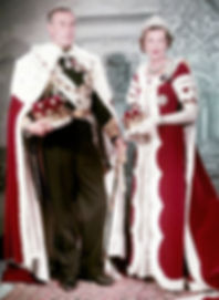Mountbatten & Edwina - The Earl & Countess Mountbatten of Burma  in Coronation Robes 1953 ​