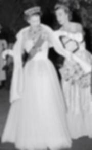 Pamela (in her role as Lady-in-Waiting) with Queen Elizabeth II in Melbourne, 1954