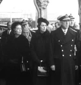 Mountbatten (right) with his daughters Pamela & Patricia at Portsmouth for Edwina's burial at sea. Standing behind is Mountbatten's sister (Princess Andrew of Greece) and his nephew - Prince Philip, The Duke of Edinburgh