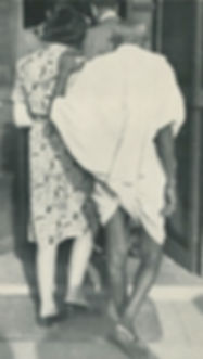 Edwina - Vicereine of India, giving support to Mohandas K. Gandhi