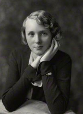  Photographic portrait of Iris 