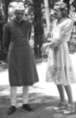​ Edwina (right) with Jawaharal Nehru at Simla ​
