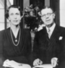 Gustaf_Adolf_and_Louise_of_Sweden_1945.j