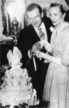 ​ David & Romaine, The Marquess & Marchioness of Milford Haven cutting their wedding cake ​
