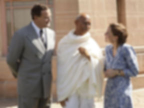 Hugh Bonneville, Neeraj Kabi & Gillian Anderson as Mountbatten, Gandhi and Edwina
