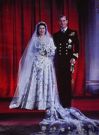 Princess Elizabeth (now Queen Elizabeth II) & Lt Philip Mountbatten (The Duke of Edinburgh) following their marriage in November 1947 