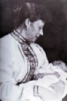 Princess Louis of Battenberg (Princess Victoria of Hesse & By the Rhine) with her baby son - Mountbatten ​