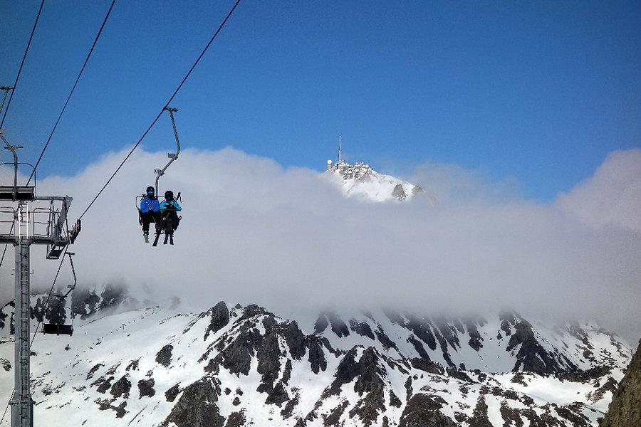 Desde la zona de Quatre Termes en Grand Tourmalet, con el imponente Pic du Midi al fondo