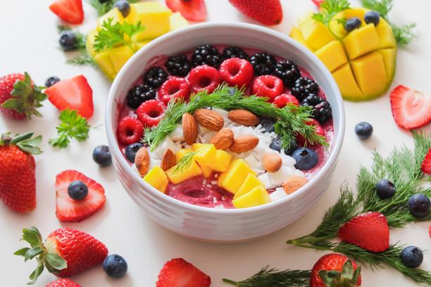 almonds-berries-blackberries-1099681.jpg