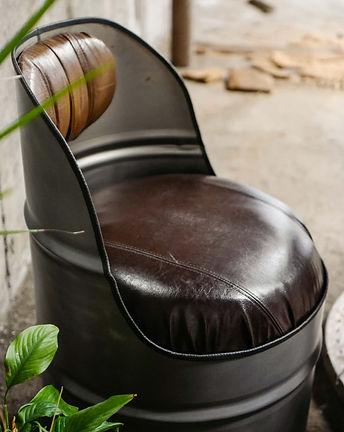 fauteuil-baril-metal-mat-cuir-marron4_ed