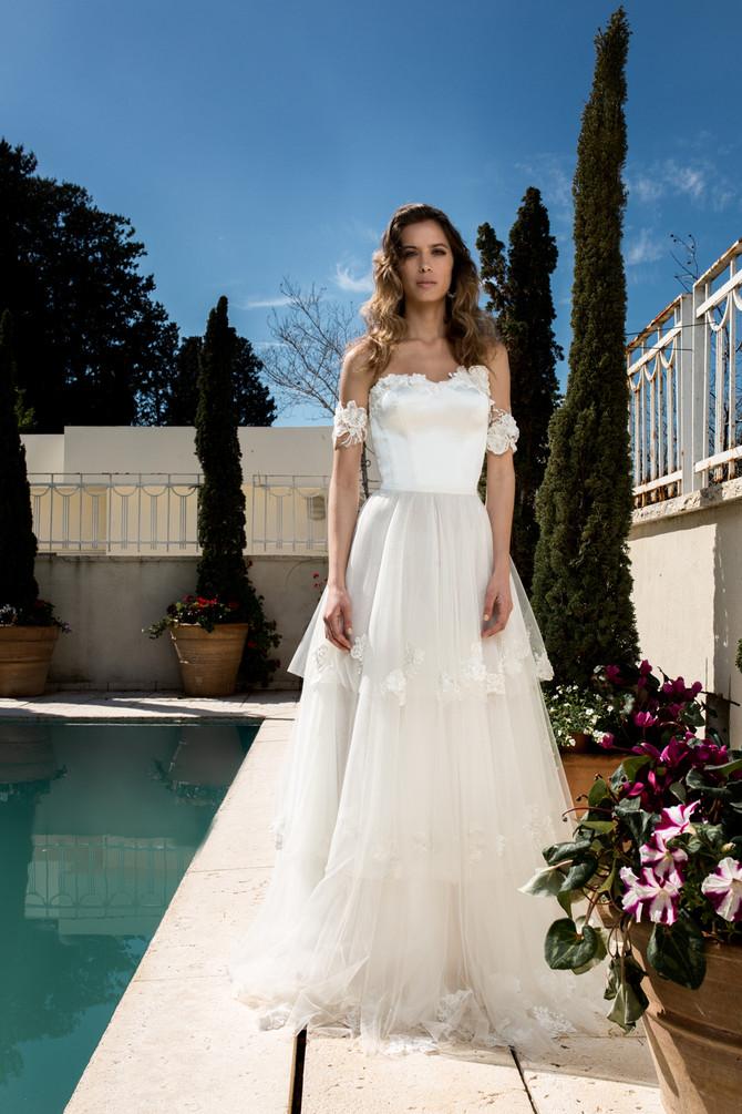 שמלות כלה נפוחות: ביי, ביי, קצפות. הלו, רומנטיקה אוורירית!