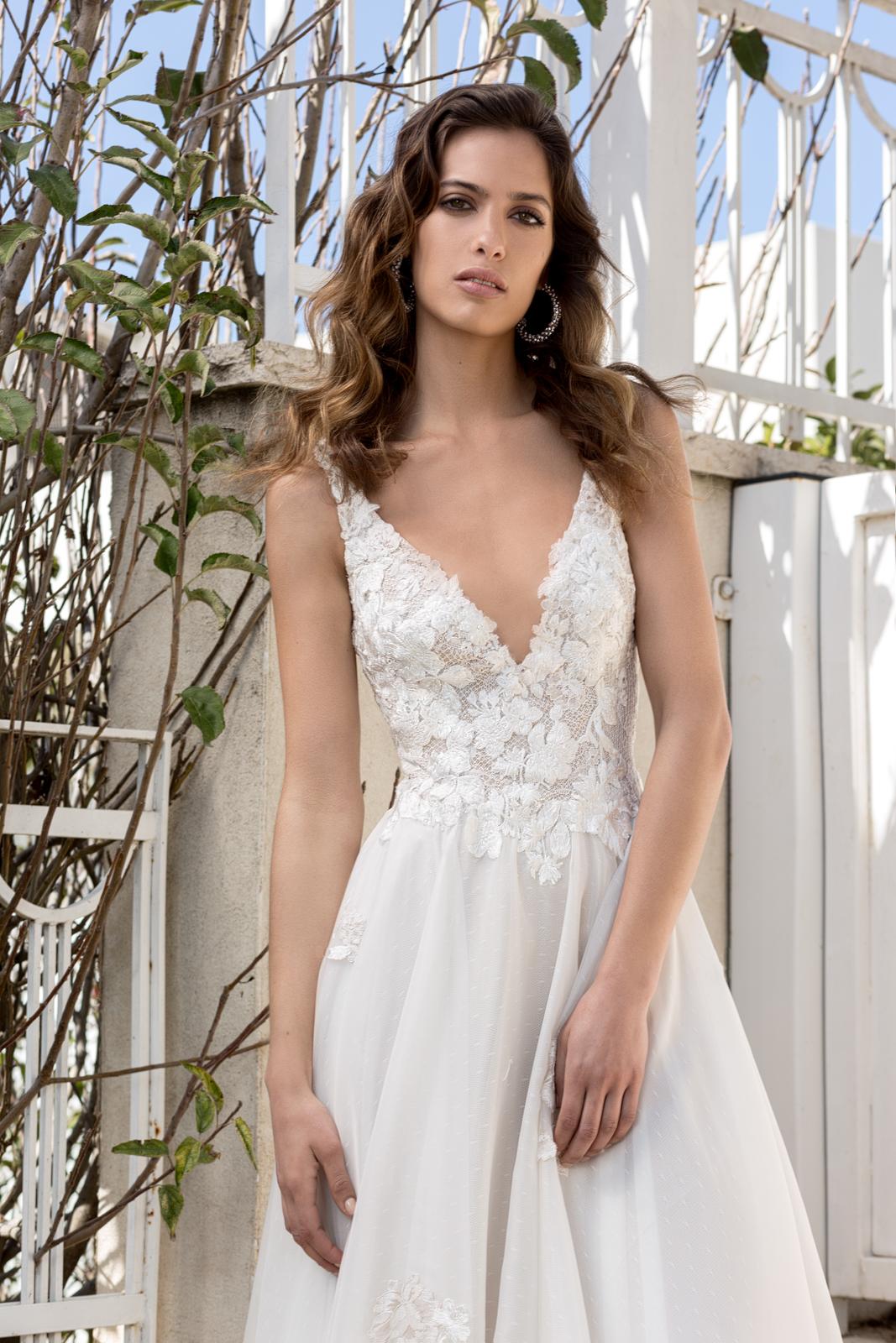 Elly wedding dress