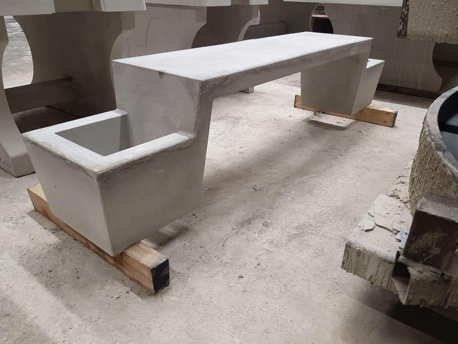 IMG-20170327-WA0015 bankje in beton