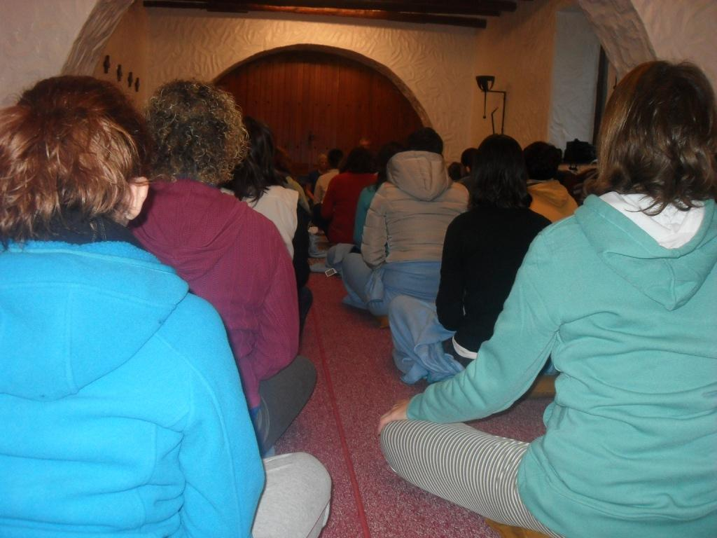 Sesión_de_Yoga._2.JPG
