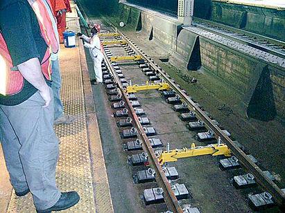 GSF tunnel LVT-AMTRAKNewarkStation00038_