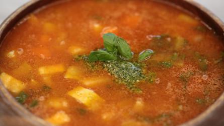 Fesleğenli Sebze Çorbası