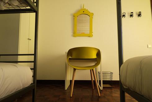 Decoração do quarto privado no Help Yourself Hostels Restelo
