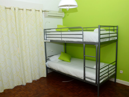 Beliche em Suite no Hostel em Carcavelos