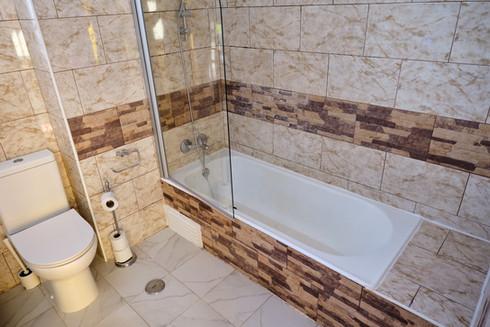 WC com duche em quarto partilhado