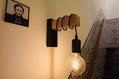 Pormenor de decoração com lâmpada