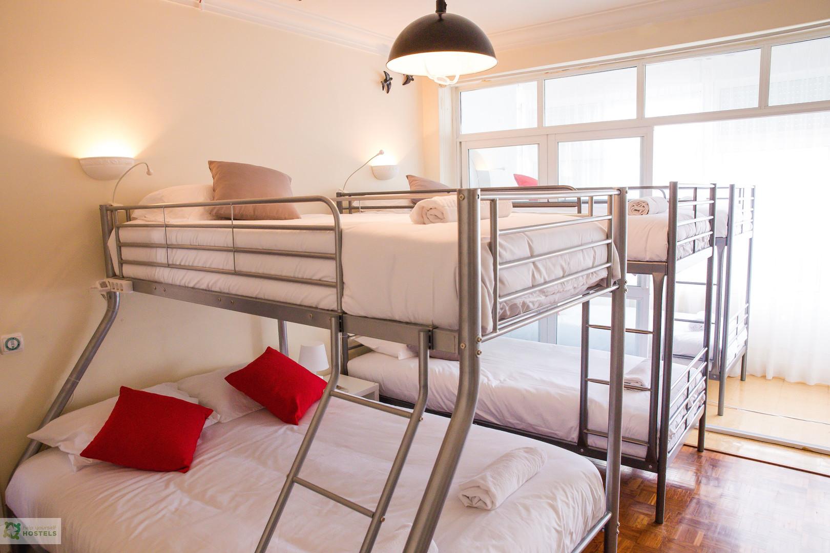 Suite de 7 pessoas no Help Yourself Hostels Carcavelos