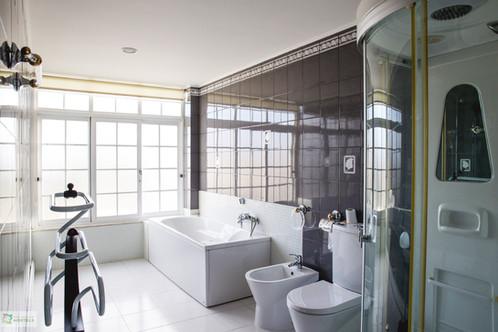 WC de Suite com banheira e duche