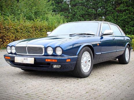 Daimler%20Double%20Six99_1_edited.jpg