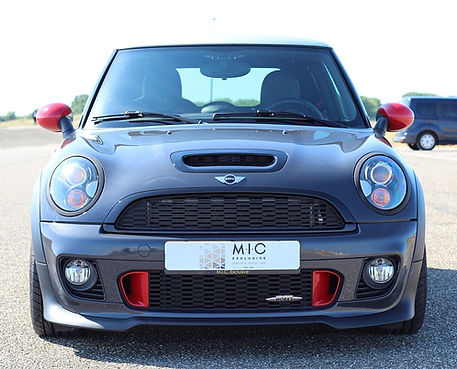 4 MINI COOPER S WORKS_edited.jpg