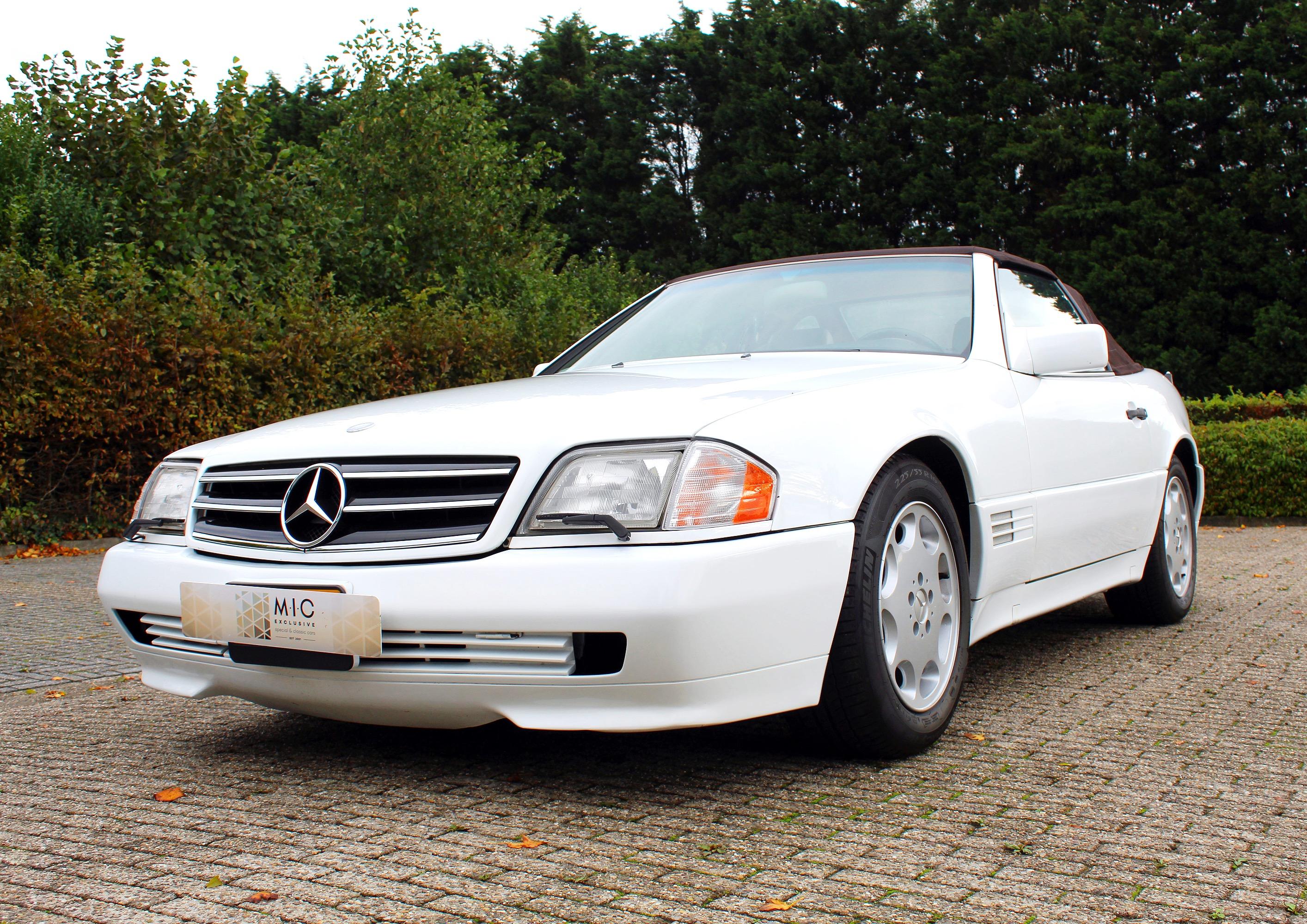 Mercedes Benz SL wit