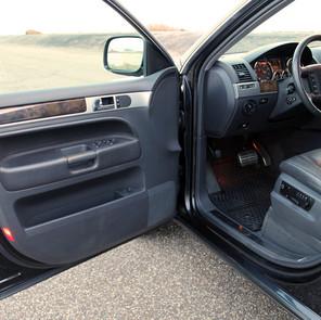 VW TOUAREG W12 - 32.jpg