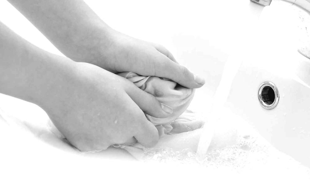 Como lavar biquínis e maiôs para mantê-los como novos