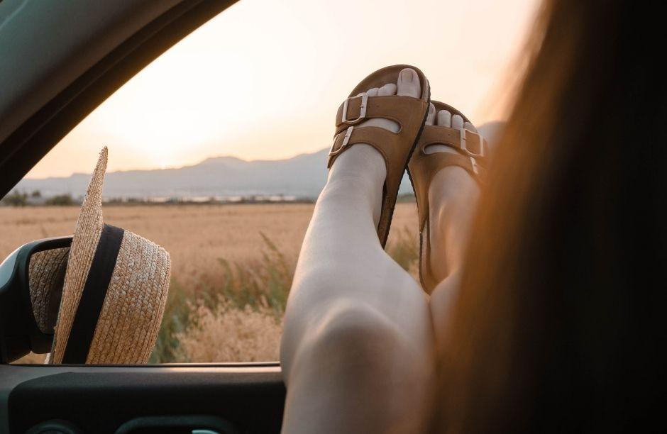 7 Melhores Chinelos Confortáveis Femininos 2021 para Relaxar