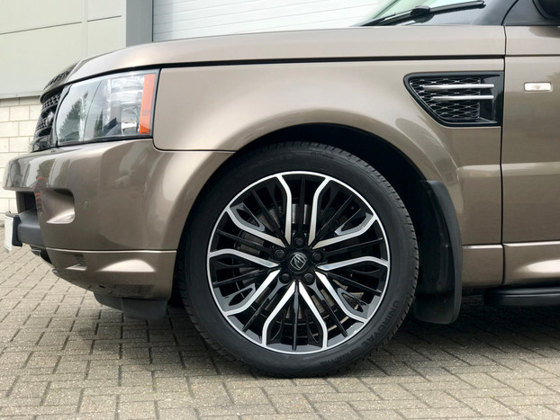 Bronze Range Rover Sport on HAWKE Vega wheels in Black Polished colour finish