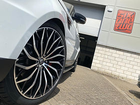 White Range Rover Sport on HAWKE Zenith wheels in Black Polished colour finish