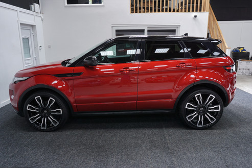 Red Range Rover Evoque on HAWKE Hermes wheels in Black Polished colour finish