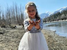 Muddy fingers.... white dress