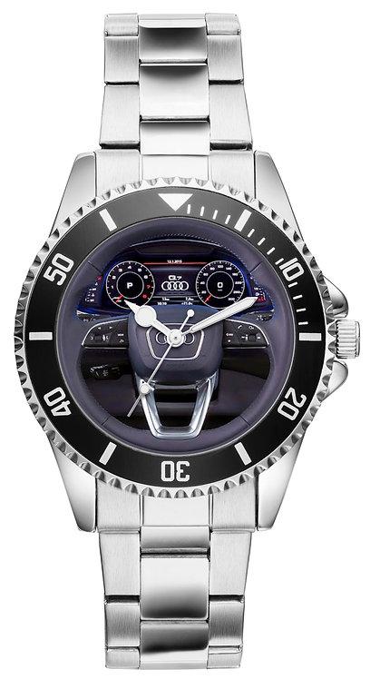 Audi Q7 Cockpit Uhr 10125