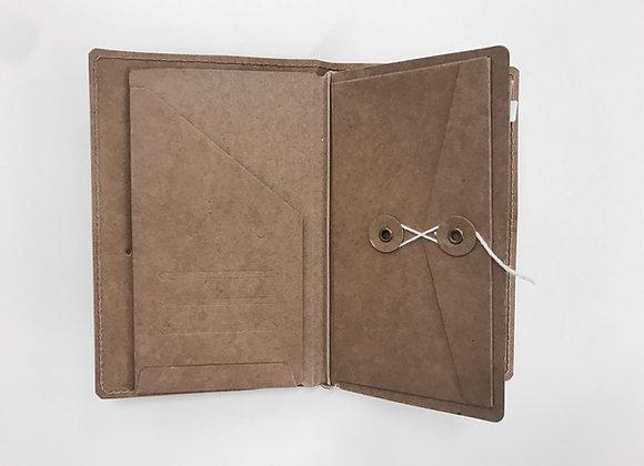 022  kraft eyelet & folder : (p)