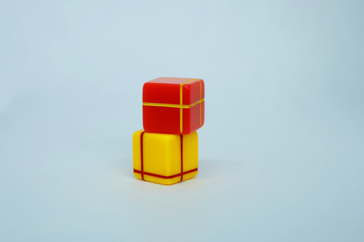 _red/yellow paired dice