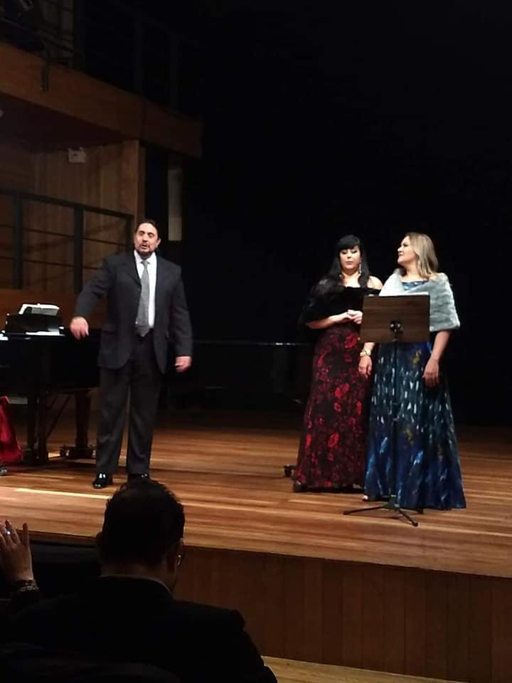 Noite Lirica na Capela com tenor Marcell